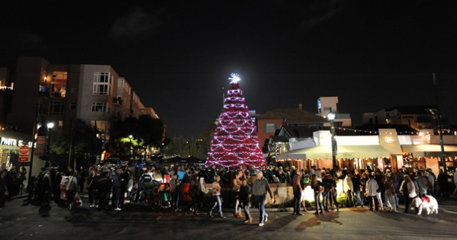 little italy christmas tree lighting 645x340